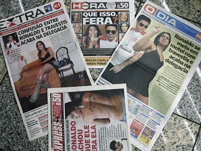 Newspaper headlines about Ronaldo and the transvestite