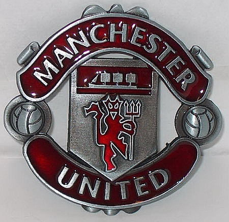 Man Utd metal badge