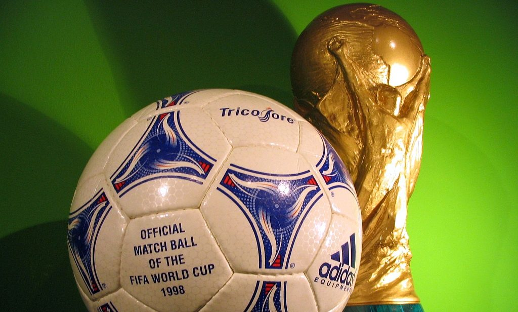 world cup 1998 ball and trophy
